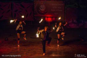 артисты шоу огня