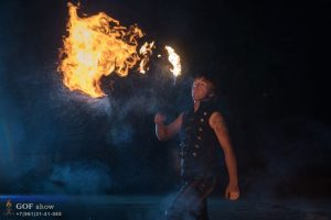 дыхание огнем фаер шоу