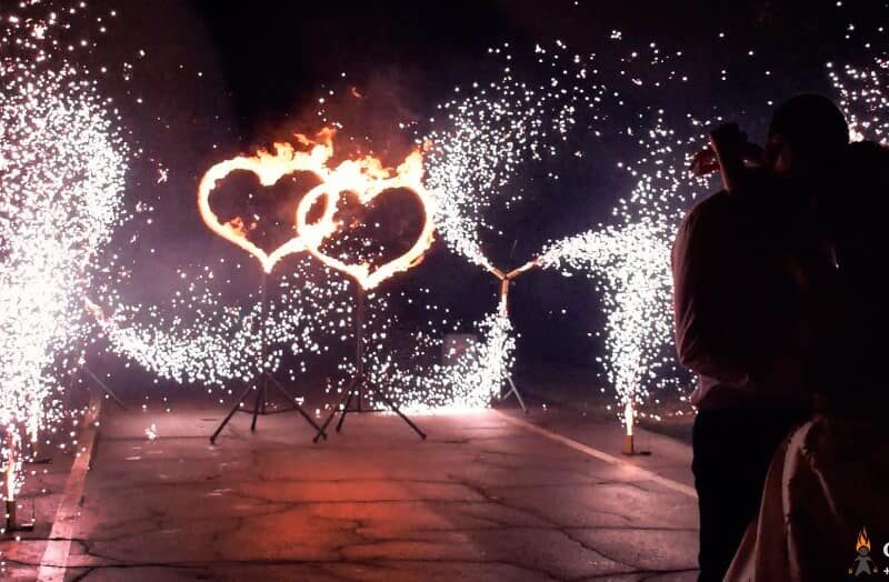 горящие сердца и холодные фонтаны на свадьбу ростов