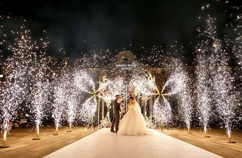 холодные фонтаны и вертушки на свадьбу ростов