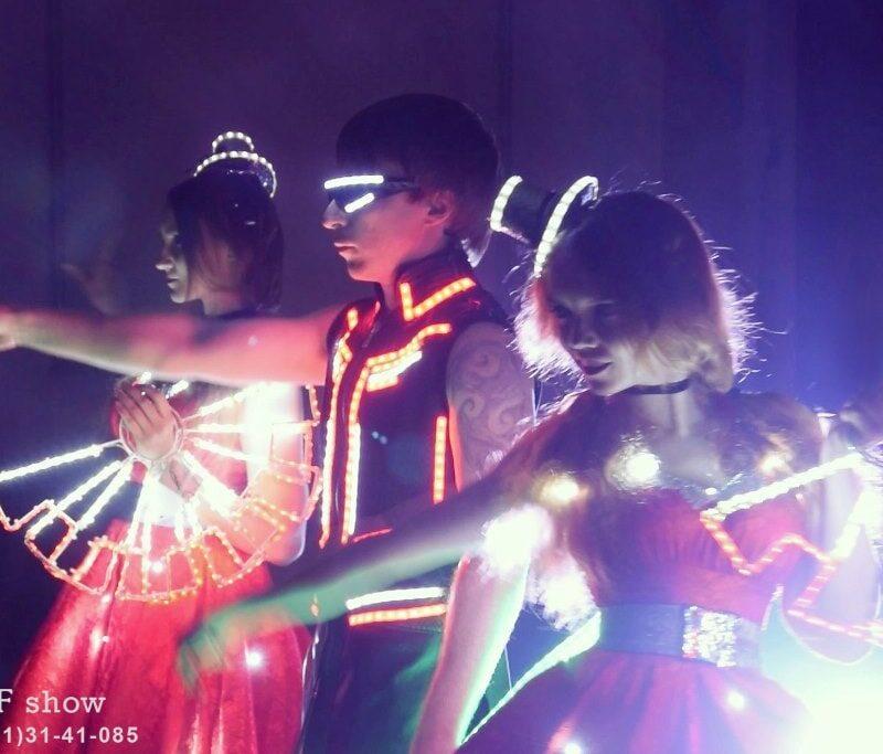 led шоу mad red ростов-min